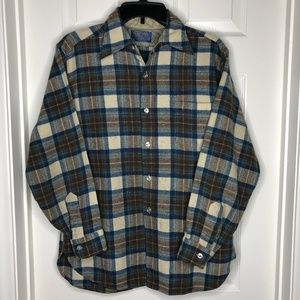 PENDLETON 100% Virgin wool  shirt L plaid USA